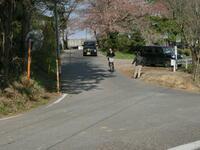 横断が難しい松南病院玄関前